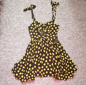 Urban Outfitters Yellow & Black Dress